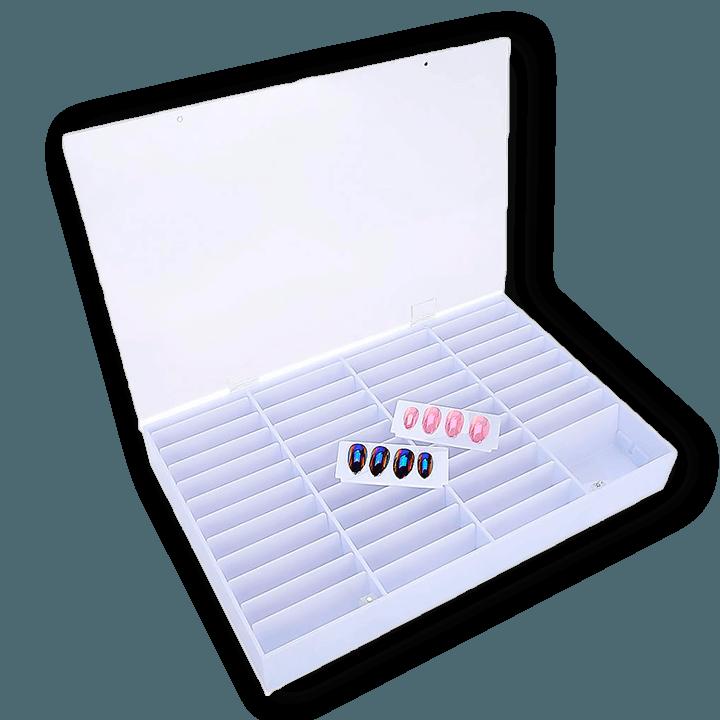Box for nail art tips